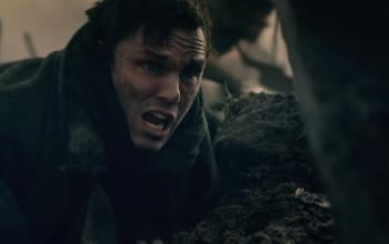 Nicolas Hoult in trincea nel secondo trailer di Tolkien