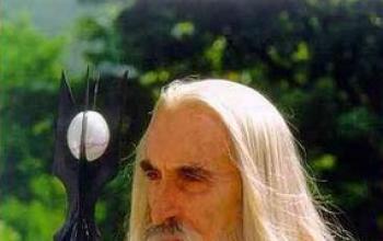 """Christopher Lee: """"spero di vivere abbastanza a lungo per vedere Lo Hobbit"""""""