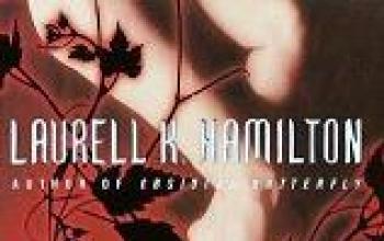 Un bacio nell'ombra da Laurell K. Hamilton