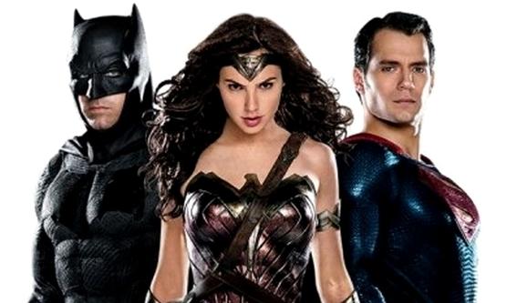 La Trinità: Batman (Ben Affleck), Wonder Woman (Gal Gadot) e Superman (Henry Cavill)