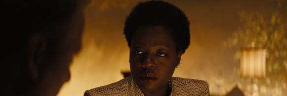 Amanda Waller (Viola Davis) nel trailer di Suicide Squad