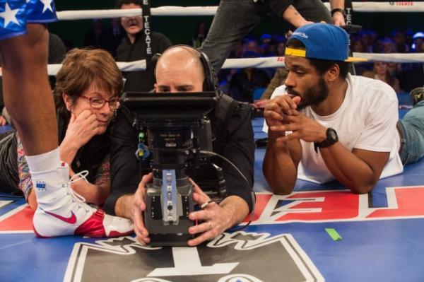Il regista Ryan Coogler (a destra) sul set di Creed