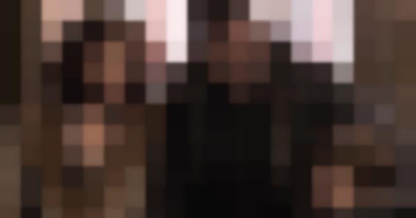 Da sinistra a destra: Martha (Lauren Cohan), Thomas (Jeffrey Dean Morgan) e il piccolo Bruce Wayne (Brandon Spink)