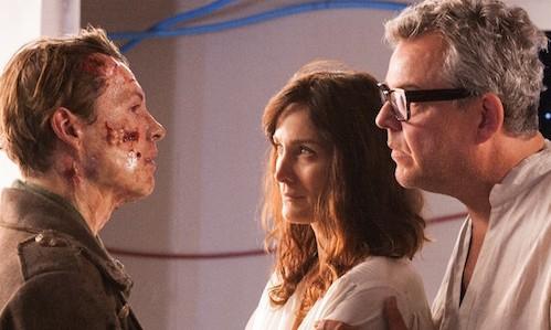 Xavier Samuel, Carrie-Ann Moss e Danny Huston in Frankenstein