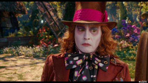 Johnny Depp è il Cappellaio Matto in Aliceattraverso lo specchio