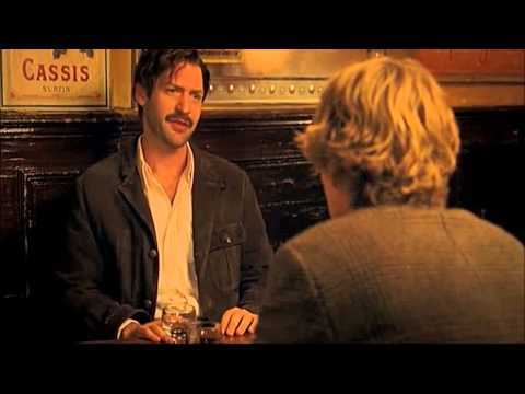 Gil Pendere (Owen Wilson) incontra Ernest Hemingway (Corey Stoll) in Midnight in Paris