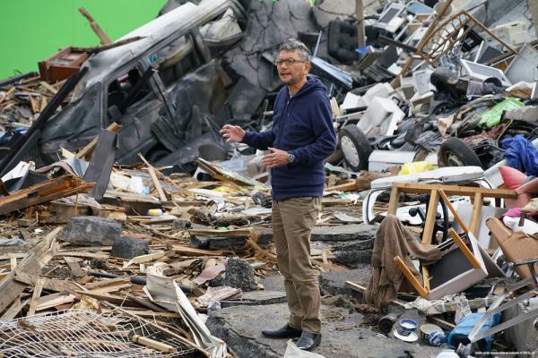 Hideaki Anno sul set di Shin Godzilla