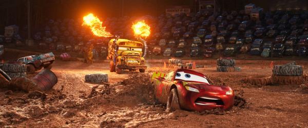 Grandi pericoli per Saetta McQueen in Cars 3