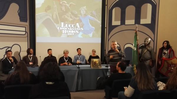 Il presidente dell'Associazione Italiana Studi Tolkieniani Roberto Arduini introduce l'incontro su Lords for the ring