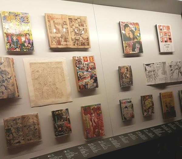 Alcune delle opere in mostra a Mangasia.
