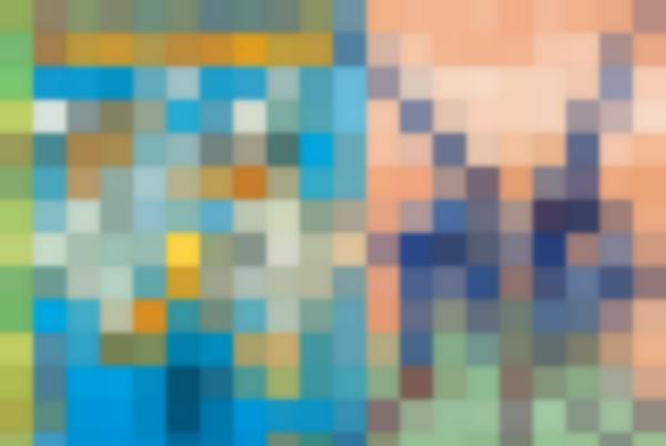 A sinistra: Paperino e Paperoga diventano due Pulcinella sulla copertina variant di <i>Topolino 3257</i>, realizzata da Giorgio Cavazzano per il Comicon di Napoli. A destra: la locandina del Comicon 2018 illustrata da Lorenzo Mattotti.