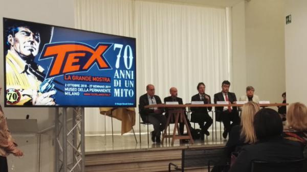 Da sinistra: Mauro Boselli, Michele Masiero, Filippo del Corno, Emanuele Fiano e Gianni Bono all'inaugurazione della mostra Tex. 70 anni di un mito.