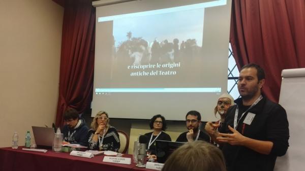 Gabriele Tacchi e Vania Castelfranchi al convegno degli autori di giochi di ruolo a Lucca Comics & Games.