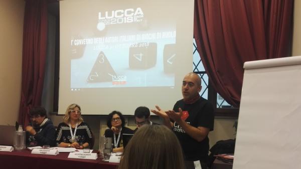 Mauro Longo al convegno degli autori di giochi di ruolo a Lucca Comics & Games.