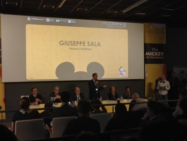 Il sindaco di Milano Giuseppe Sala in sala MediCinema all'inaugurazione della Sala Medicinema dell'ospedale Niguarda.