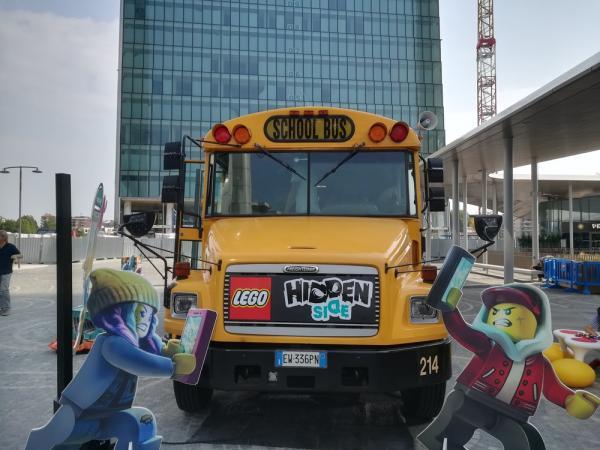 Lo scuolabus di LEGO Hidden Side