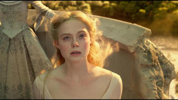 Elle Fanning è la principessa Aurora in Maleficent -Signora del Male
