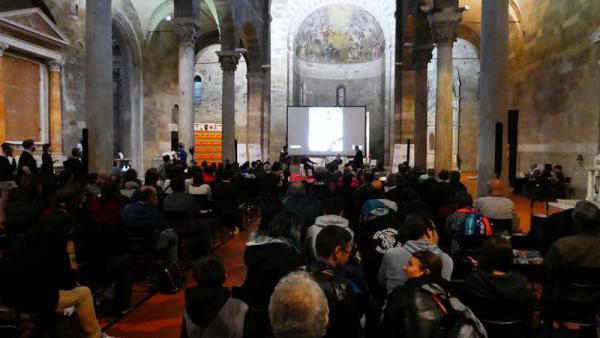 Il vasto pubblico di appassionati presente all'evento di Dragonero a Lucca Comics & Games.