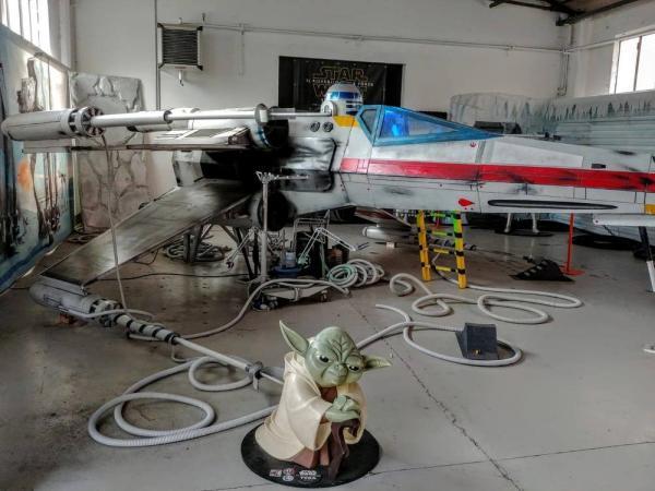 L'X-Wing e Yoda a Volandia. (Foto: pagina Facebook di Volandia)