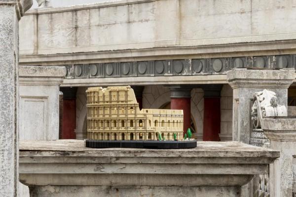 Il Colosseo LEGO a Cinecittà