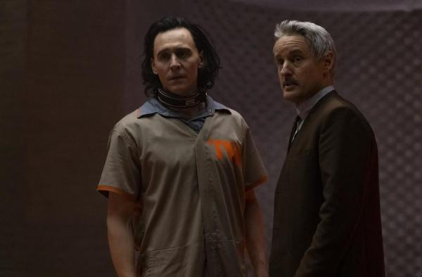 Tom Hiddleston e Owen Wilson in Loki
