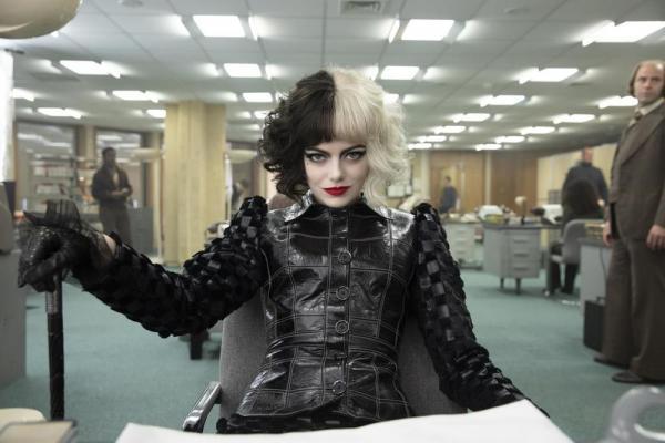 Emma Stone in Crudelia