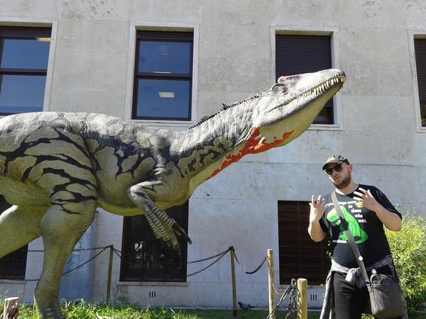 Alessandro Carpana, paleontologo presidente dell'A.P.P.I durante una visita guidata
