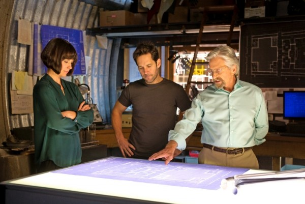 Evangeline Lilly, Paul Rudd e Michael Douglas in Ant-Man