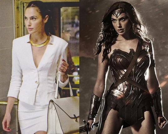 Gal Gadot nella parte di Diana Prince (a sinistra) e in quella del suo alter ego Wonder Woman (a destra) in due immagini ufficiali di Batman v Superman: Dawn of Justice