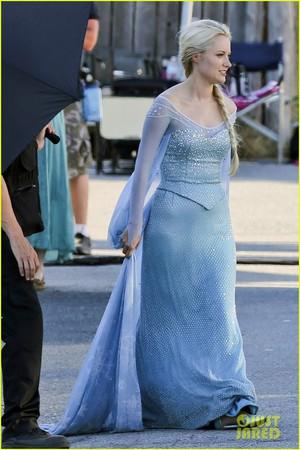 Georgina Haig è Elsa