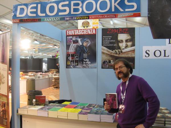 Lo stand Delos Books a Lucca Games 2014 prima dell'apertura della fiera