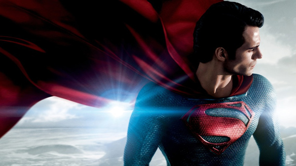 Kal-El/Superman (Henry Cavill) ne L'Uomo d'Acciaio