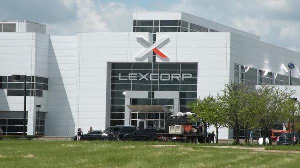 La LexCorp, ricavata da un vecchio edificio della General Motors situato a Pontiac (Michigan)