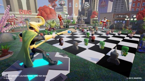 Loki vs Falcon. Una battaglia a scacchi!?
