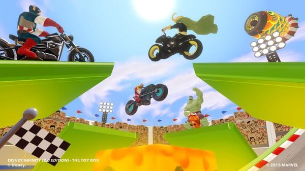 Avengers e Loki in sella per un po' di motocross
