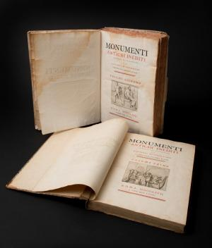 "Johann Joachim Winckelmann, Monumenti antichi inediti, editio princeps, volume I e II, 1767Biblioteca Nazionale ""Vittorio Emanuele III"", Napoli"