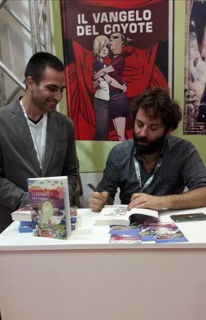 Vanni Santoni con il nostro Simone Bonaccorso a Lucca Comics & Games