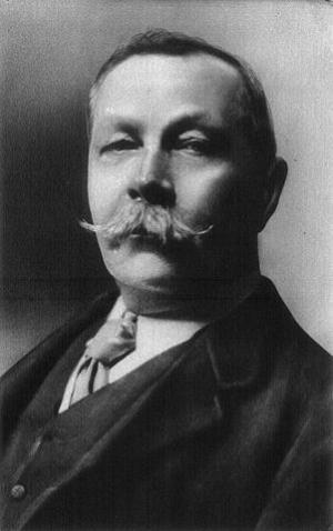 Arthur Conan Doyle, 1º giugno 1914 (foto di Arnold Genthe)