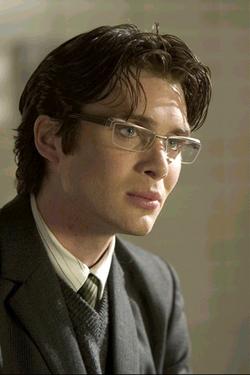 Cillian Murphy. Secondo voci non confermate l'attore avrebbe una piccola parte nel sequel di Batman Begins