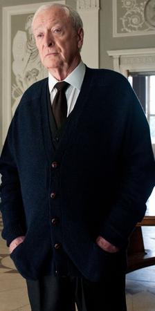 Michael Caine nel ruolo di Alfred Pennyworth ne Il Cavaliere Oscuro - Il Ritorno (2012)