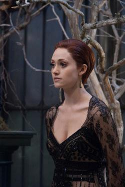 Emmy Rossum è Ridley, cugina cattiva di Lena