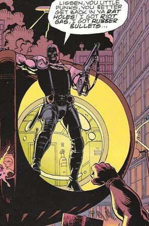 Edward Blake, alias il Comico, in azione nelle pagine di Watchmen