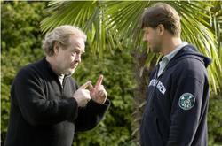 Russel Crowe e Ridley Scott sul set di Un'ottima annata. Regista e attore tornano insieme per la quarta volta dopo i successi del Gladiatore e l'atteso American Gangster
