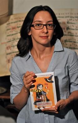 Ilaria Katerinov, autrice di Lucchetti babbani e medaglioni magici - foto credit: Matteo Parrini