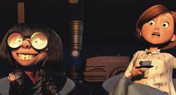 Helen Parr (Elastigirl) ed Edna Mode de Gli Incredibili, film d'animazione Pixar del 2004 diretto da Brad Bird.