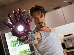 Robert Downey Jr. nei panni di Iron Man.