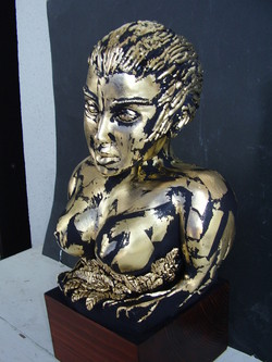Madre Terra, scultura di Gianpiero De Salvo