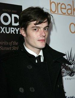 Sam Riley, un altro papabile candidato al ruolo di Robin Hood