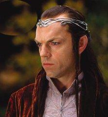 Hugo Weaving nei panni di Elrond