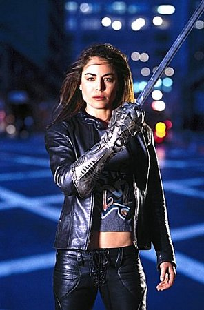 Yancy Butler impugna The Witchblade